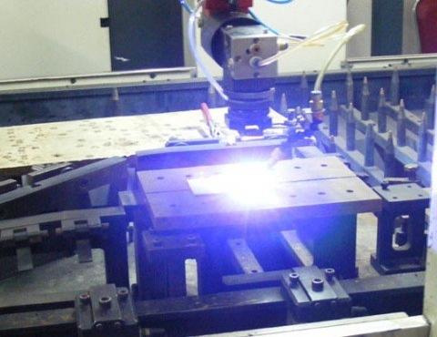激光数控切割机穿孔加工操作要点和冬季的保养