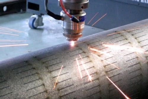 激光切割加工熔渣和光纤激光切割机切割不透的因素